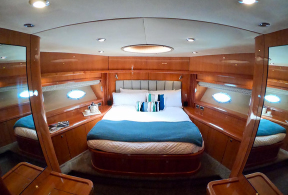 Bedroom Predator 82 Yacht Icacos