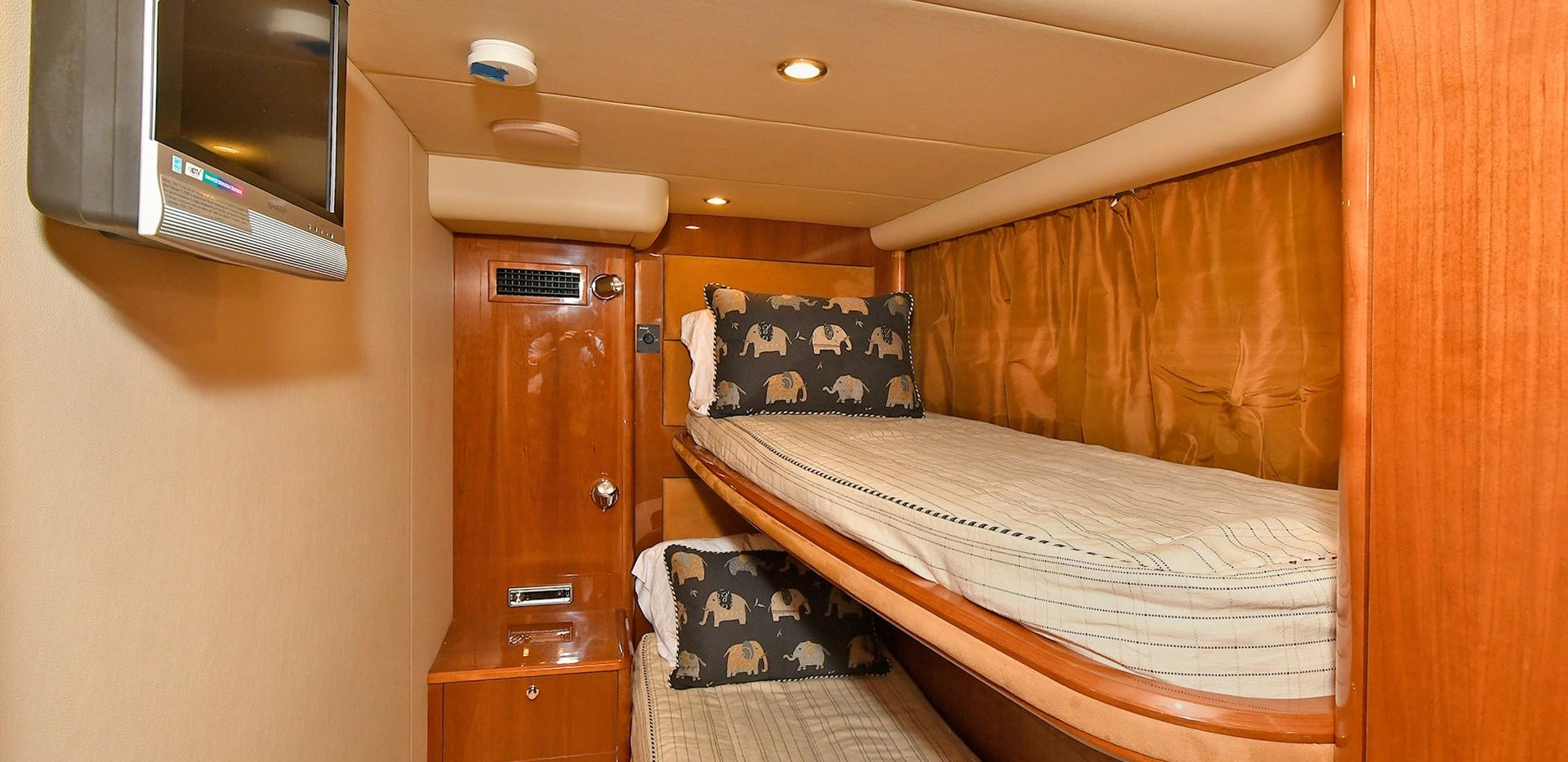 Bedroom 2 Princes V58 Yacht Charter
