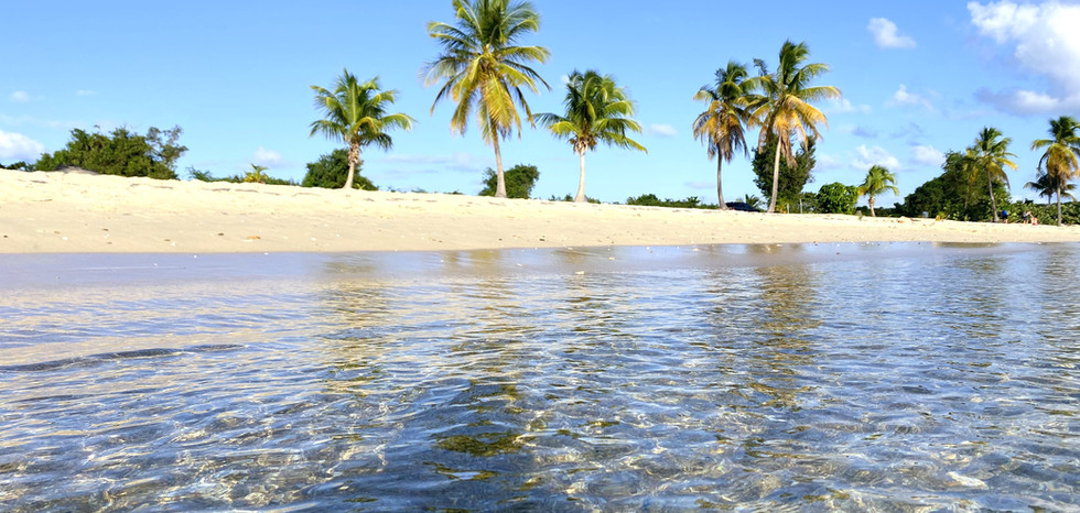 Cristal Clear Water at Sun Bay Beach