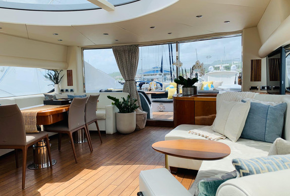 Predator 82 interior Puerto Rico Yacht R