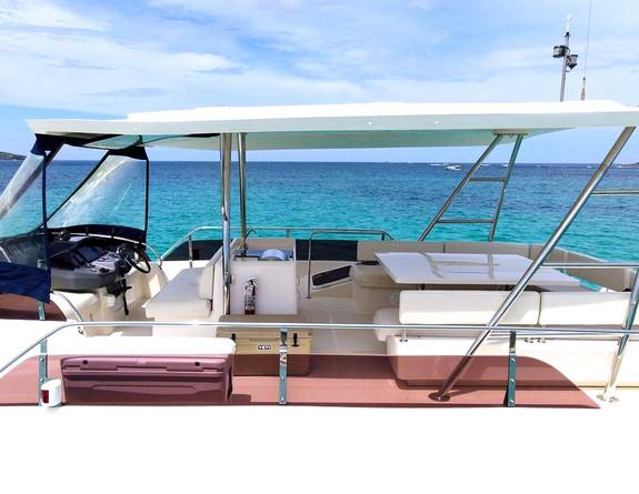 Aquila 48' Fly Bridge Catamaran Yacht Boat Rental