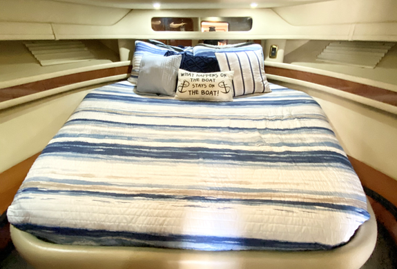 Bed in Sea Ray Yacht Charter