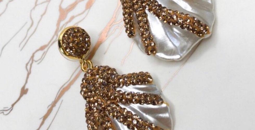 Pearl & Golden Shells