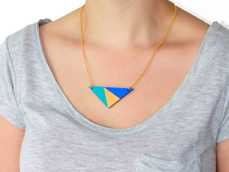 How to style your triangle necklace with your neckline