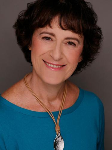Kathy Kacer (1).jpg