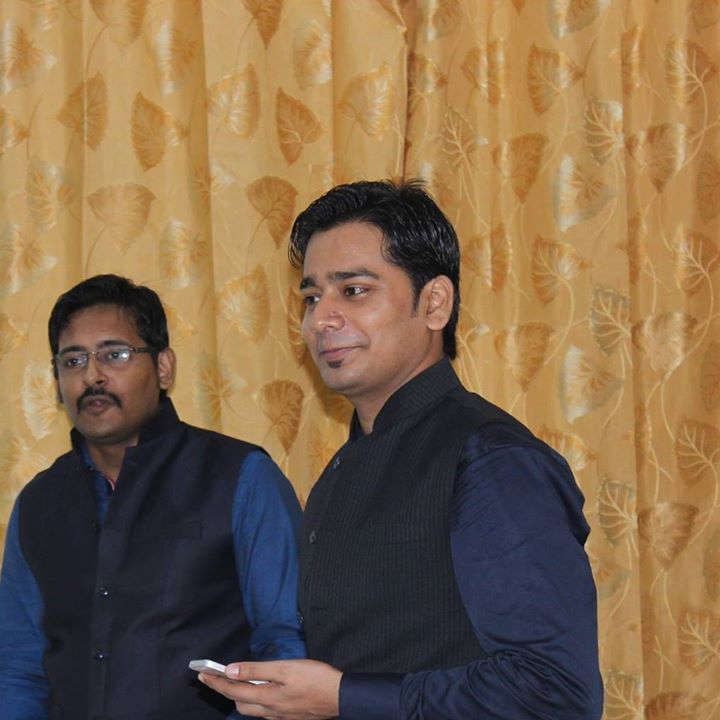 लोरेटो शिक्षा संस्थान में दो दिवसीय कार्यशाला में श्री सौमित्र आनंद के साथ