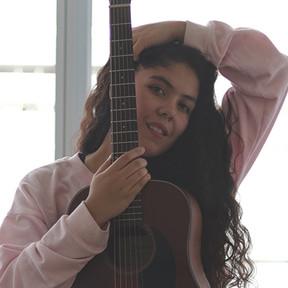 """[#Novedades] """"Universando"""" el álbum debut de Catalina Navarro: existir en conexión con el universo"""