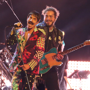 Post Malone canta con Red Hot Chili Peppers en los Grammys 2019