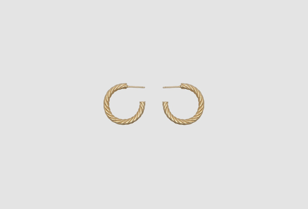 the hoops twist gold