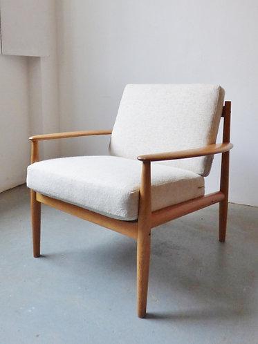 Mid-century oak lounge chair by Grete Jalk