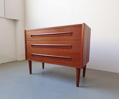 Danish chest of 3 drawers