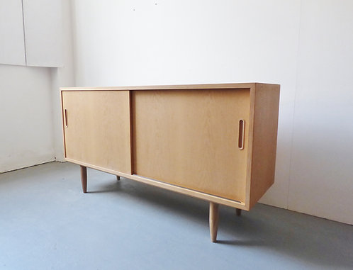 Oak sideboard by Carlo Jensen for Hundevad