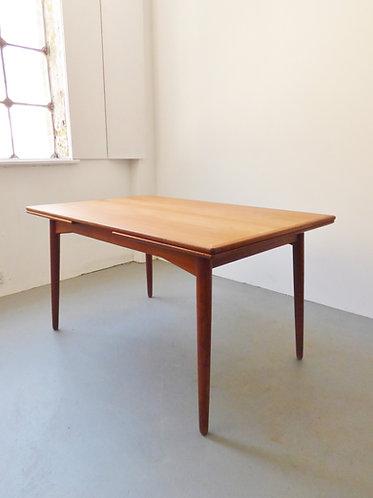 Mid-century Danish dining table - extendable