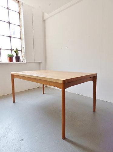 Henning Kjærnulf oak table