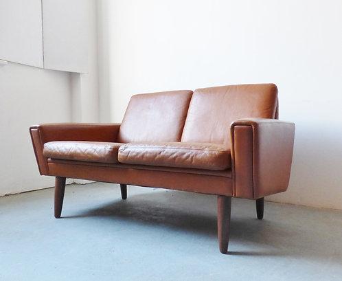 Mid-century Danish tan leather 2 seater sofa