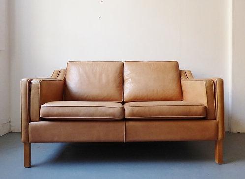 Danish tan leather sofa Mogens Hansen front