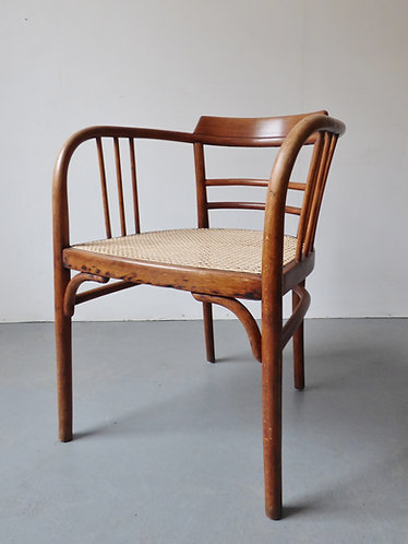 Model B93 Thonet armchair by Otto Wagner