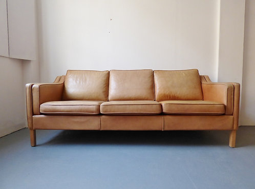 Danish tan leather 3 seater sofa front Mogens Hansen