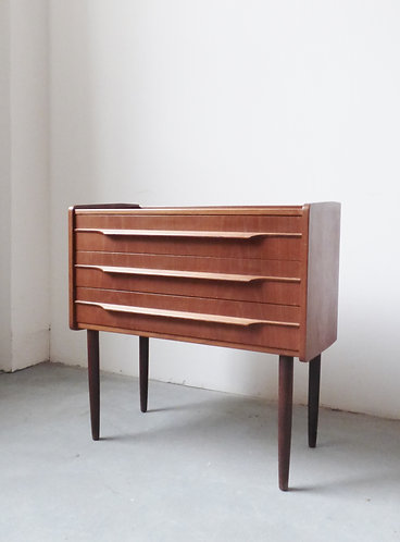 Small 1960s Danish teak chest