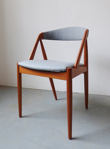 Set of 4 model 31 dining chairs by Kai Kristiansen