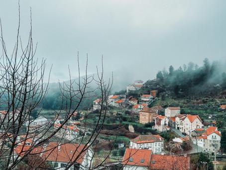 Loriga, a vila glaciar em meio às montanhas