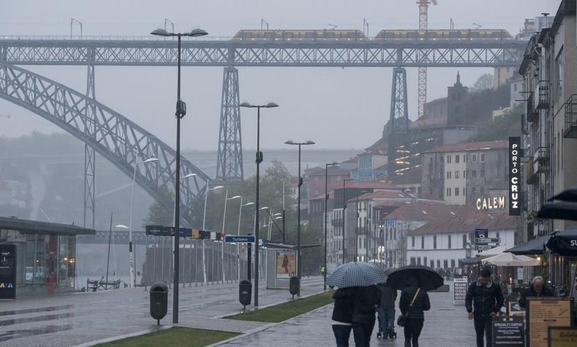 Dia chuvoso em Porto, Portugal