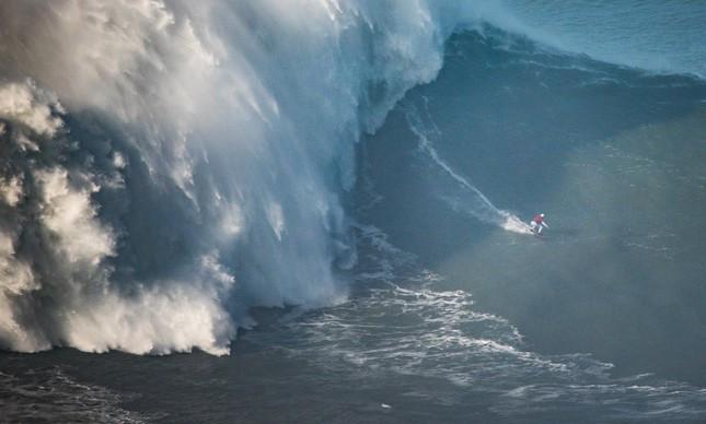 Maya Gabeira e a onda de 22 metros