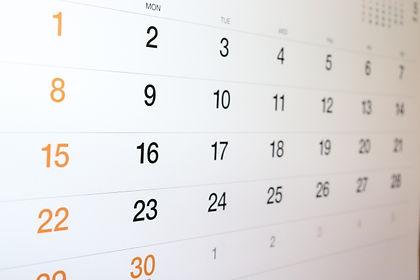 小児アトピーの治療ではカレンダーにお母さんが経過を記入していただきます。大人のアトピー治療も同様に経過を記載ください。