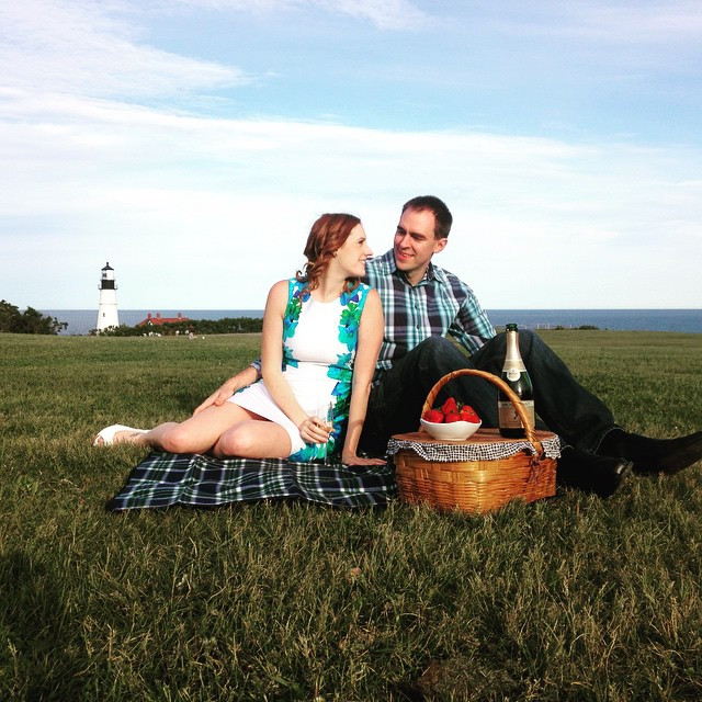 romantic picnic at portland head light in cape elizabeth maine