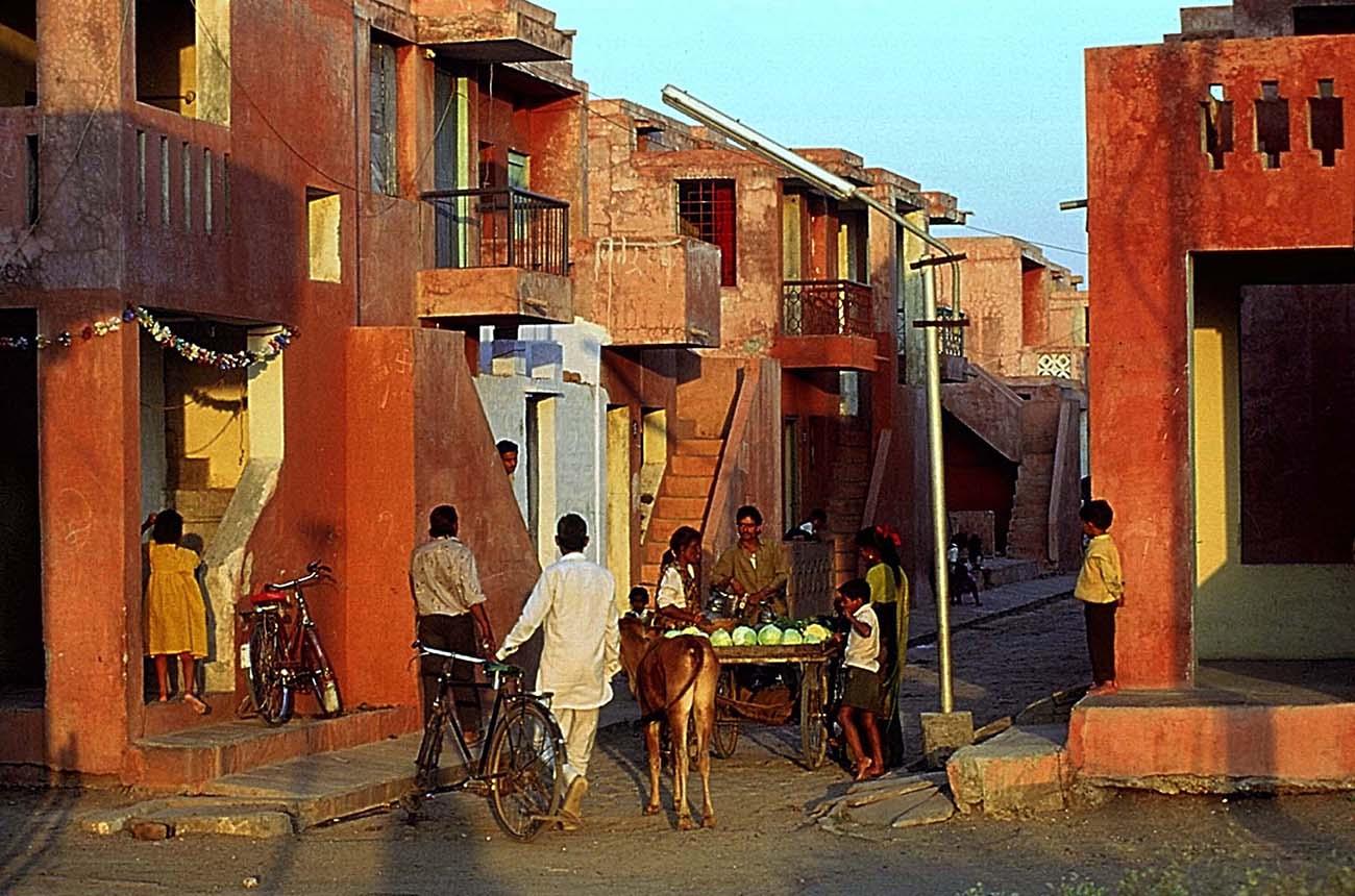Aranya Low Cost Housing / Doshi 1989