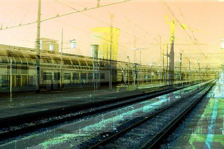 TRAVEL - STAZIONE GARIBALDI - MILANO 1998