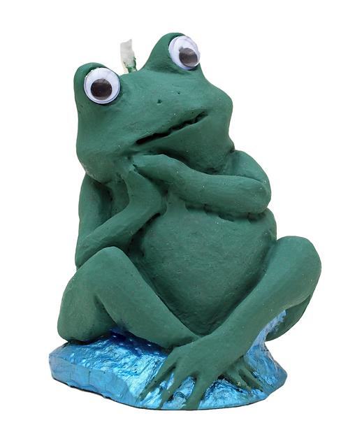 Thoughtful Frog Candle