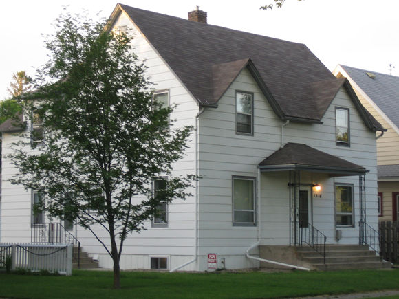 1516 2nd Ave N, Grand Forks, ND