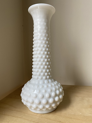 Unnew Milk Glass Vase | Medium