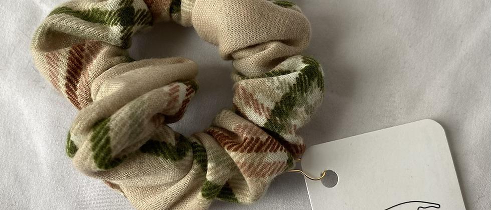 Winter '21 Scrunchie   1970's Fabric