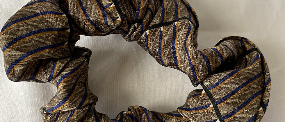 Winter '21 Silk Necktie Scrunchie   Oscar de la Renta