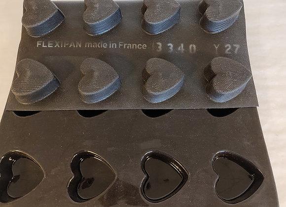 Hjerteform 66*62*d 25 mm, vol. 55 ml. 20 huller