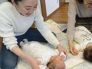 _._._3ヶ月の女の子と男の子👶👶👶_._3組の親子さんと おうち教室で