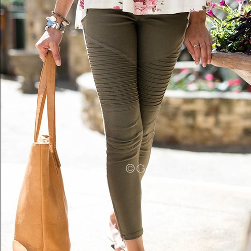 4dc7f87bcd613 Our fan favorite jeggings, these moto leggings will quickly become your  fav! Featuring elastic waistband, a zip ankle and moto seaming on the leg -  you will ...
