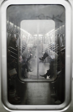 In the Subway - 地鐵裡