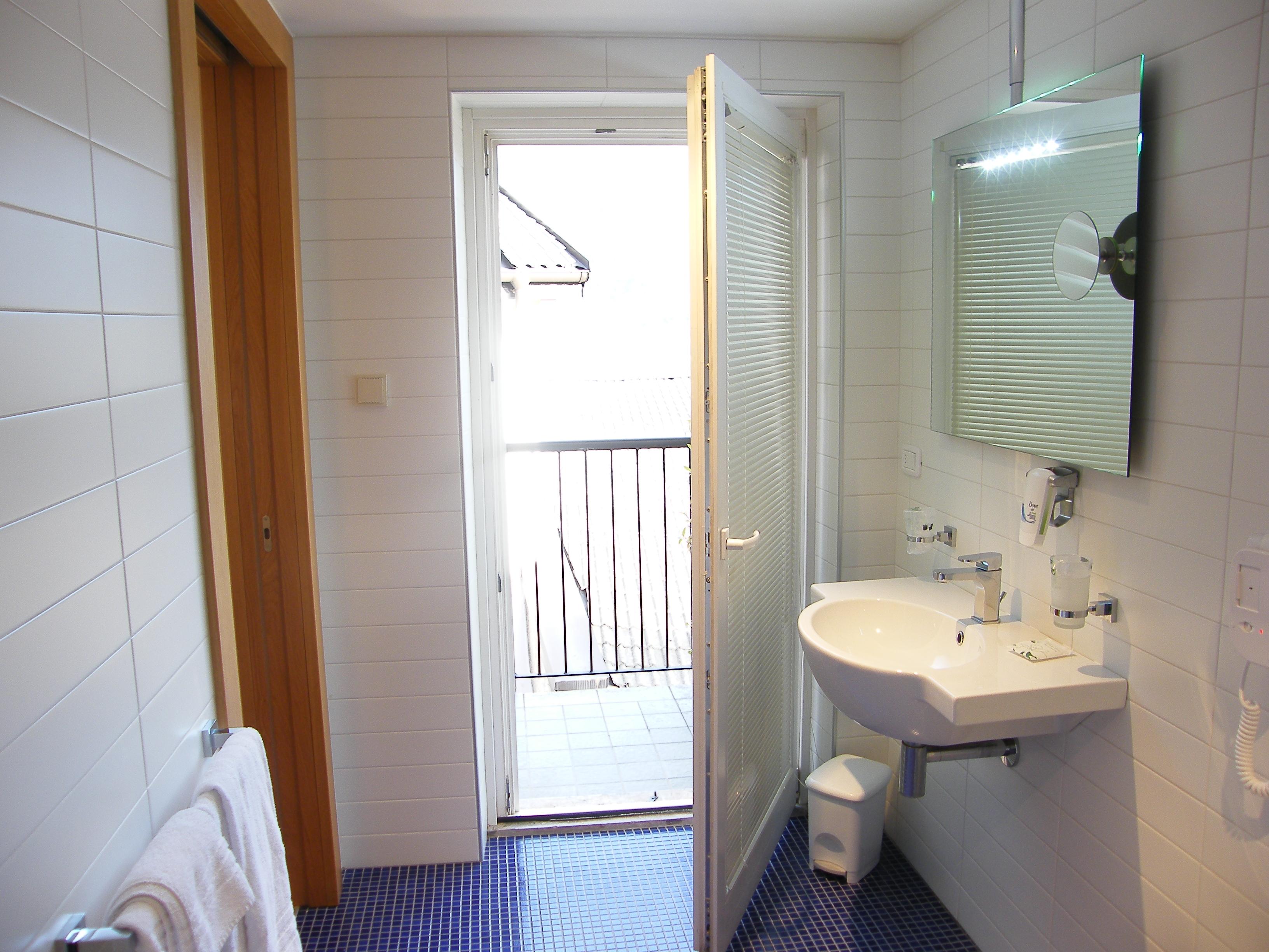 Queen Size Hotel Romanda