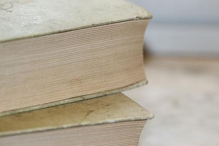 books-987690_1280.jpg