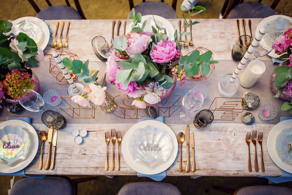 Rose gold cutlery, copper tablescape and beautiful peoonies