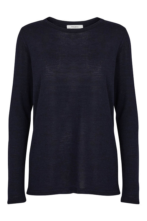 Beluga Classic Sweater