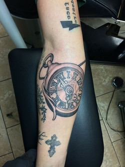 This lady added to her sleeve with a handdrawn PAIGN CITY piece.jpg Had a lot of fun with this one
