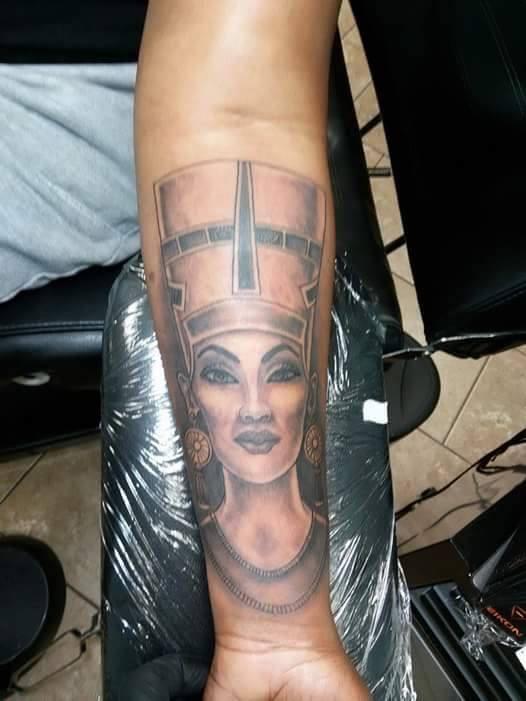 Custom Nefertiti