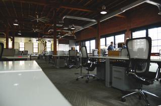 オープンプランのオフィス