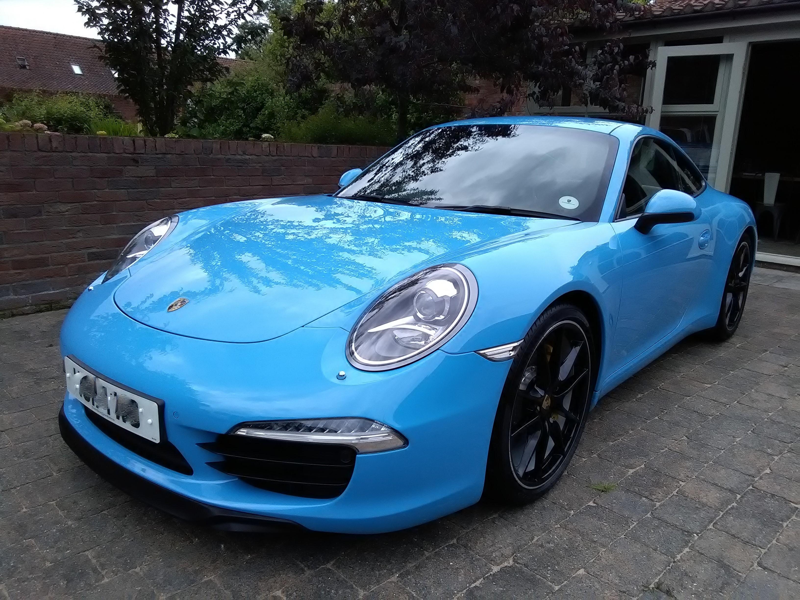 Porsche 911 Mexico Blue