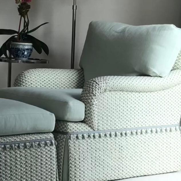 7501-N Chair & Matching Ottoman