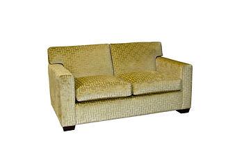 7047 Sofa